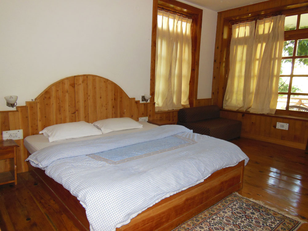 Apple Tree Luxury Cottage No1 in Manali 2 Bedroom Cottage in