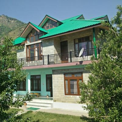 Kullu Appletree Cottage